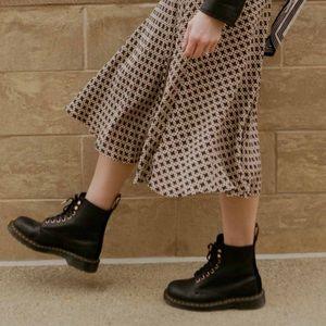 Dr. Martens🔴Black winter boots kids Sz 2